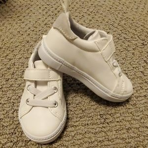 Crazy8 White shoes Toddle size 6 NWT
